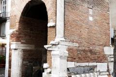 particolare-del-campanile-con-materiali-di-spoglio