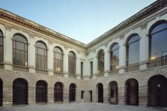 1443874329942_3._Palazzo_Thiene___cortile_interno