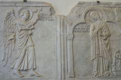 Fig-4-Giroldo-da-Como-Lastre-del-pulpito-Annunciazione-e-Iscrizione-con-stemma-1274-San-Miniato-Museo-d'Arte-Sacra-Diocesana