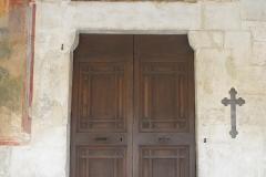 Chiesa_di_San_Panfilo,_Tornimparte_-_entrata_principale